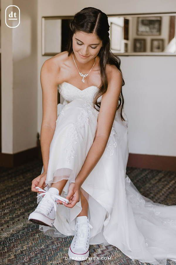 Would You Wear White Converse With Your Wedding Dress We Think This Bride Rocked It View More Photos Of Her Wedding Da Wedding Dresses Dresses White Converse