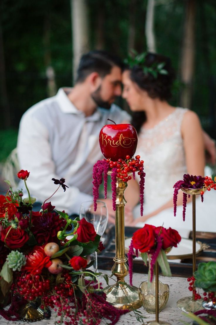 Wedding decoration ideas red and white   Best images about Rebecca sweetsix teen on Pinterest  Cakes