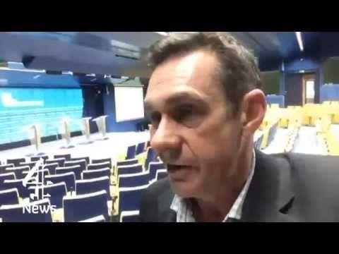 Ο Πολ Μέισον (δείτε εδώ:http://www.diavlosbooks.gr/product/435/o-kosmos-se-eksegersi-) συγγραφέας του Ο ΚΟΣΜΟΣ ΣΕ ΕΞΕΓΕΡΣΗ των Εκδόσεων Δίαυλος μιλά για τις διαπραγματεύσεις διάσωσης της Ελλάδας στο κανάλι Channel 4.