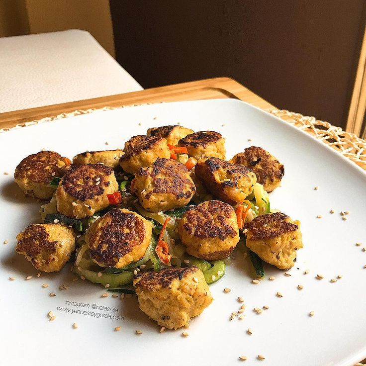 Las mejores recetas saludables y la mejor cocina fitness la encontrarás aquí. Hoy Albondiguillas de pollo al curry y mostaza ¡Te encantarán!