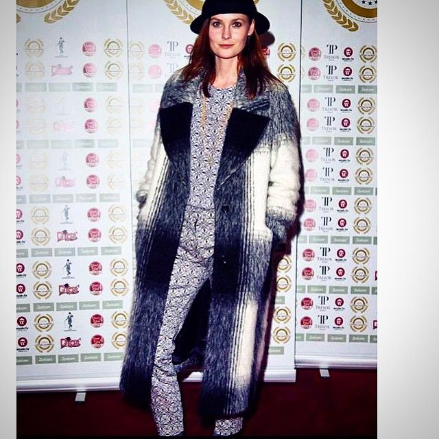 Model and presenter @charlottedecarle looking fab in our OLIVIA coat at the National Film Awards. #graceandoliver #luxuryfashion #instafashion #vogue #style #trend #model #coat #presenter #fblogger #fashionblogger #britishstyle #onlineshopping #london #ootd #coatoftheday