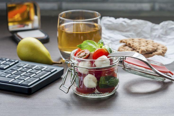 Schiscetta estiva: cosa portare da mangiare al lavoro quando fa caldo