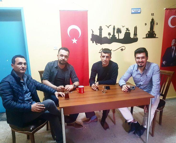 Tatar Ramazan (Cebrail).. Apturman Çavuş (İsmail),Ortacı (Mustafa)... Yancı (Bayram)... Ve.. REİS (ÖZGÜR)...  GEL DEDİN geldik Apturman Çavuş.