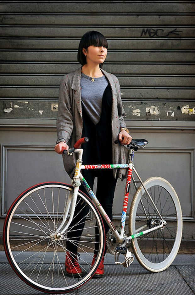 ...: Bike Books, Bicycles Design, Bobs Hairstyles, Beautiful Bicycles, Girls On Bicycles, Tandem Bicycles, Bicycles Babes, Cycling Chic, Chick Bike