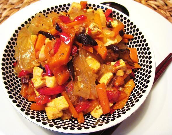 Exquisito Vegetariano!: Fideos de celofán (glass noodles) salteados con champiñones negros y tofú