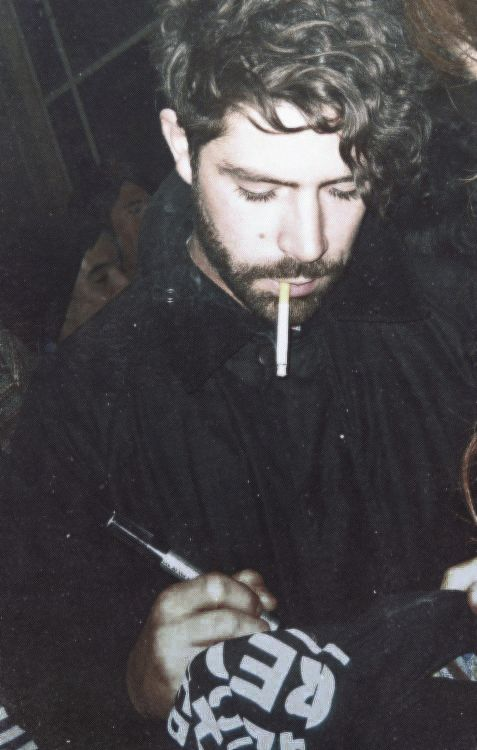 My friend Ester says I need a hipster boyfriend. I say he must be as Yannis Philippakis at least.
