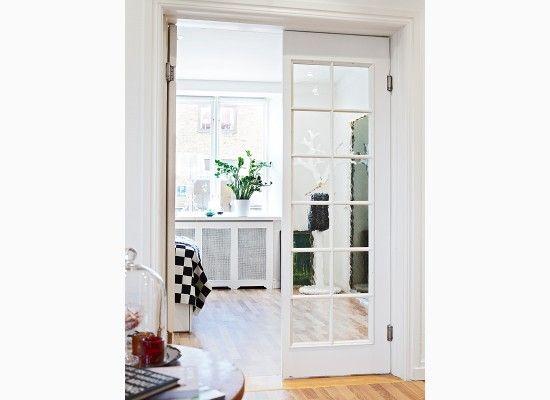 Dveře do obýváku ve skandinávském stylu