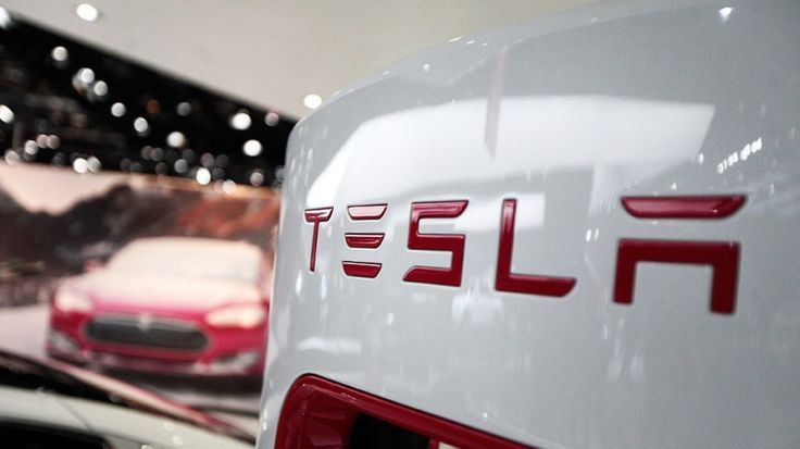 Elon Musk has revealed the name and price of Tesla's newest car model: the Tesla Model III. $35,000 - 200 miles