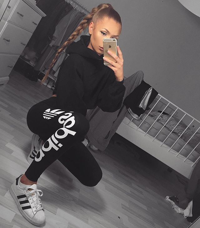 love this adidas leggings ✔️- thank you @popularchips ❤️ ( direct link in my bio babes! )