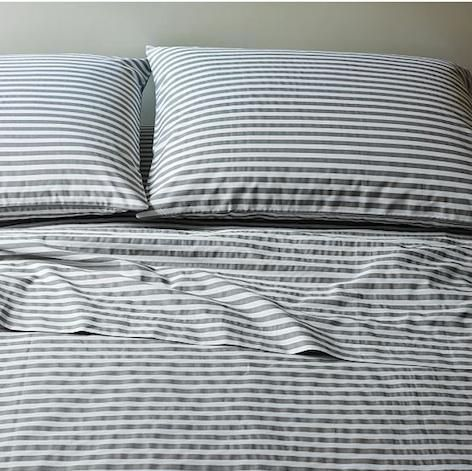 Striped Sheets black and white http://www.prettyhome.org/striped-sheets/