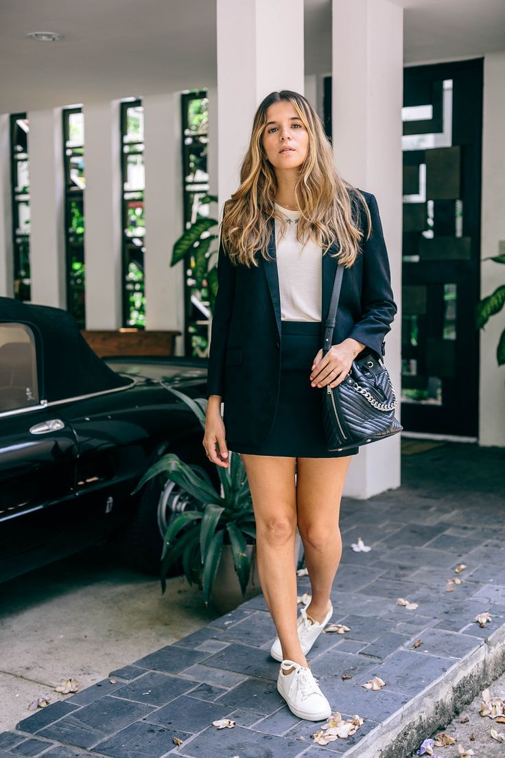 Simple chic minimalist outfit, sneaker looks, sneaker outfit, white sneakers outfit idea, black suit look