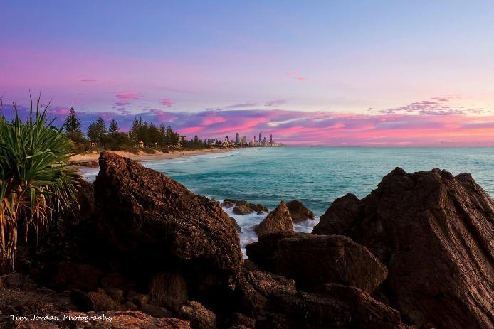 Gold Coast sunrise posted this morning by Tim Jordan.  http://www.giftitnow.com.au/gold-coast/