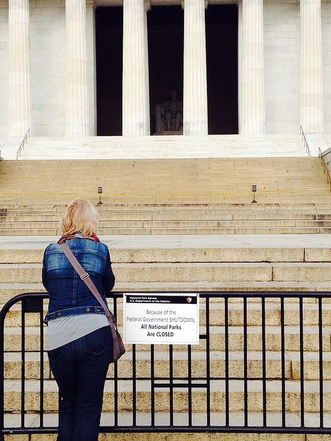 Visitor outside Lincoln Memorial ... closed due to government shutdown. #KeepParksOpen