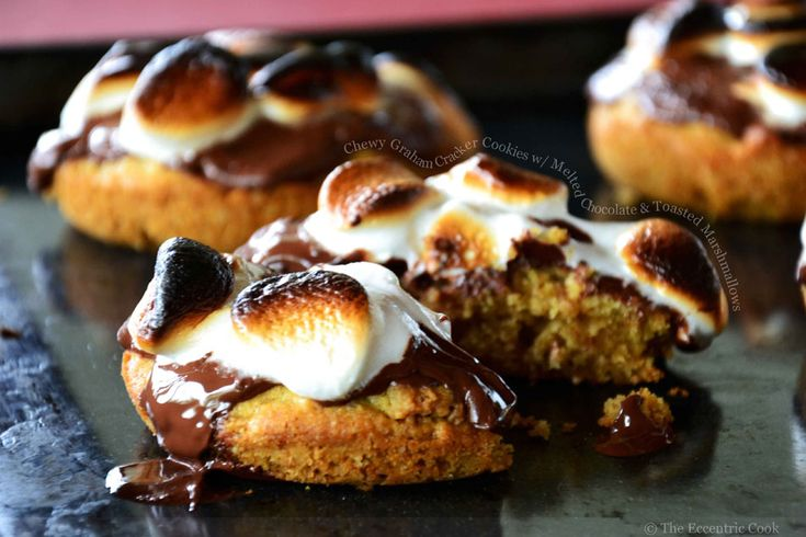 Graham Cracker Cookies w/ melted chocolate & toasted marshmallows: Eccentric Cooking, Deep Dishes Cookies, Smore Cookies, Deep Dish Cookie, S More Deep, Whoopie Pies, Smore Deep, Graham Crackers, Marshmallows
