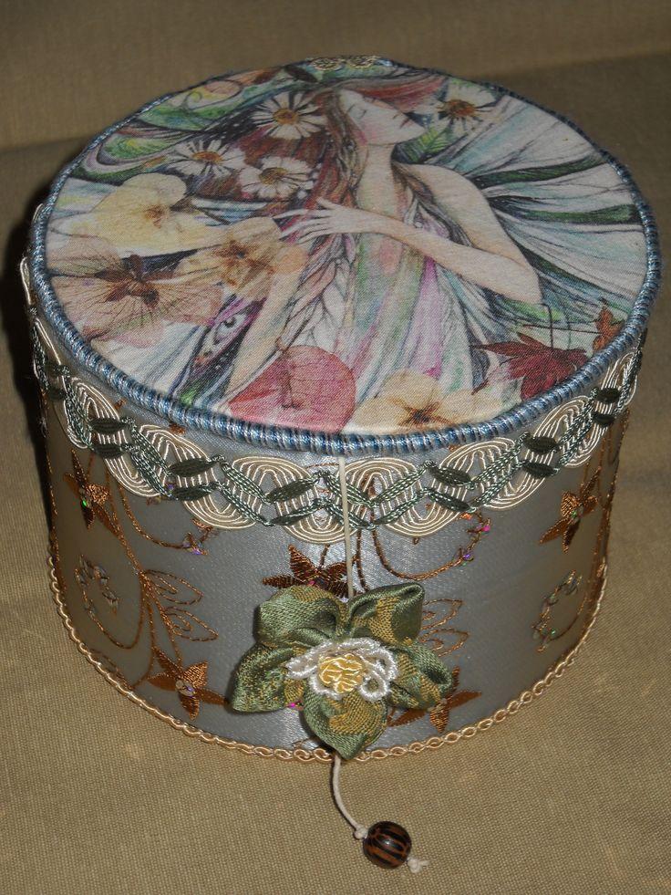 scatola con ninfa