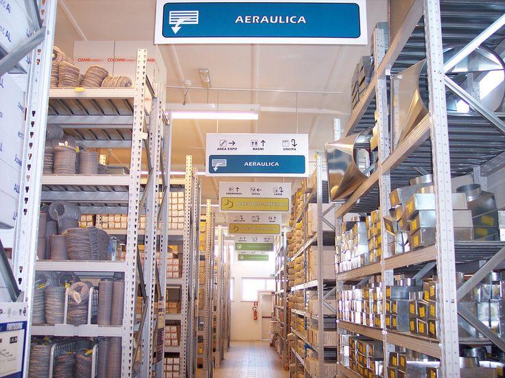 CLIMA TECH® : uno dei corridoi nel ns reparto Aeraulica nell'iperstore cash&carry di Roma Prenestino