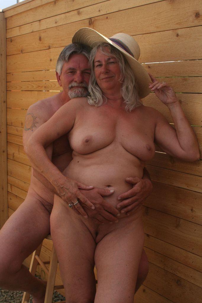 adult nude profile pics