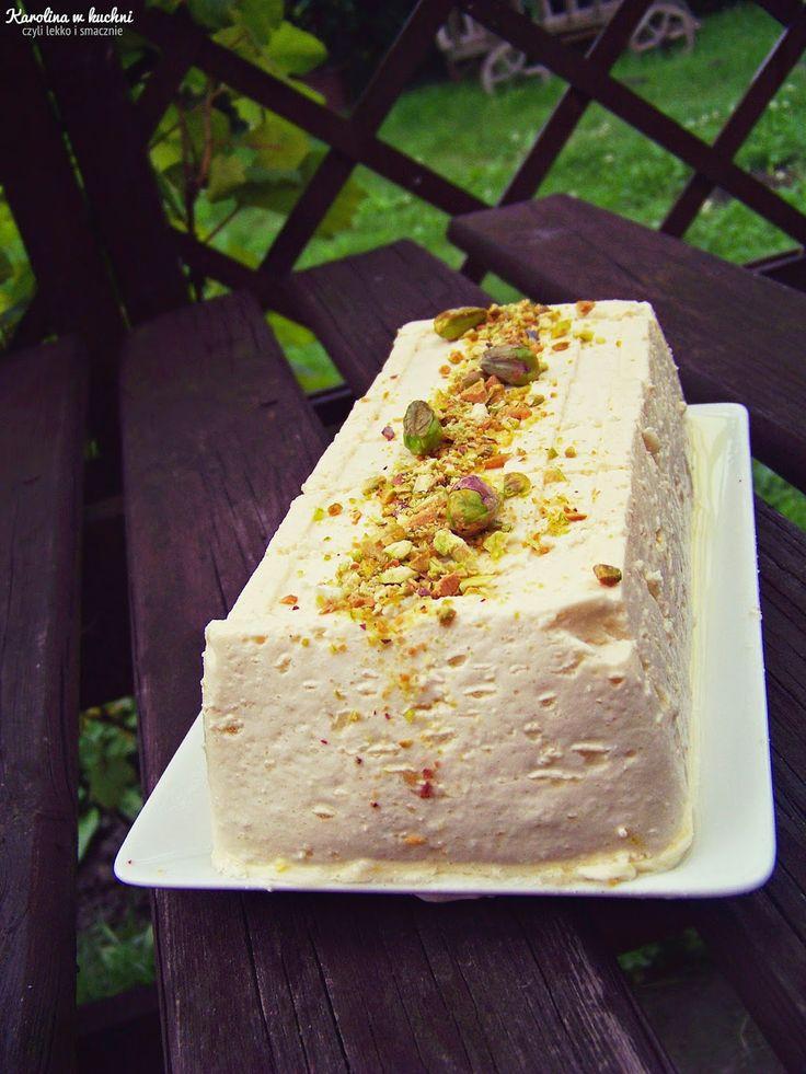 Sernik na parze z pistacjami ( 1 porcja: 127 kcal ) | Karolina w kuchni