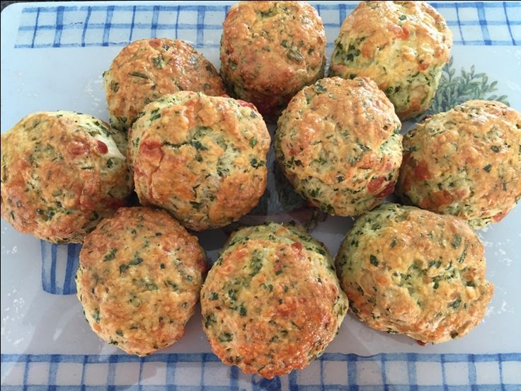 SPINACH AND CHIVE SCONES