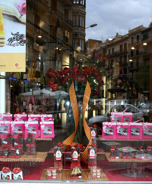 #Barcelona bakery on #Sant Jordi   www.bcninternet.com