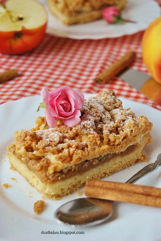 Szarlotka z jabłkami i cynamonem/ Apple pie with apples and cinnamon