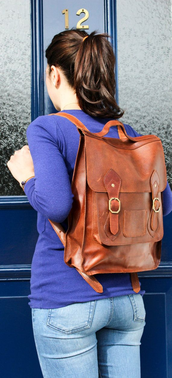 This stylish & simplistic unisex Leather backpack is excellent for everyday use and works great as a fashionable cycle bag. Adjustable shoulder