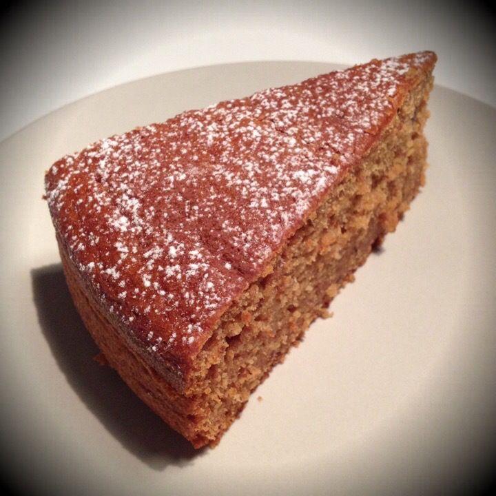 torta cachi e cannella  100 gr farina senza glutine  100gr farina mais Farina di grano saraceno e cocco  Un cucchiaio di zucchero