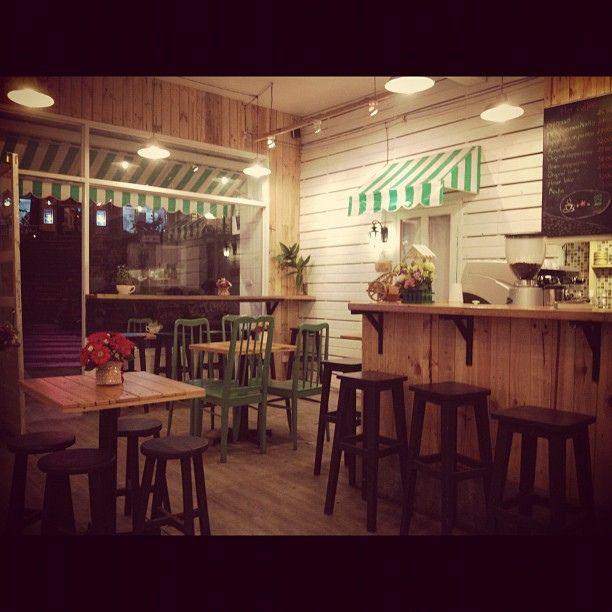 Cute coffee shop.via Flickr