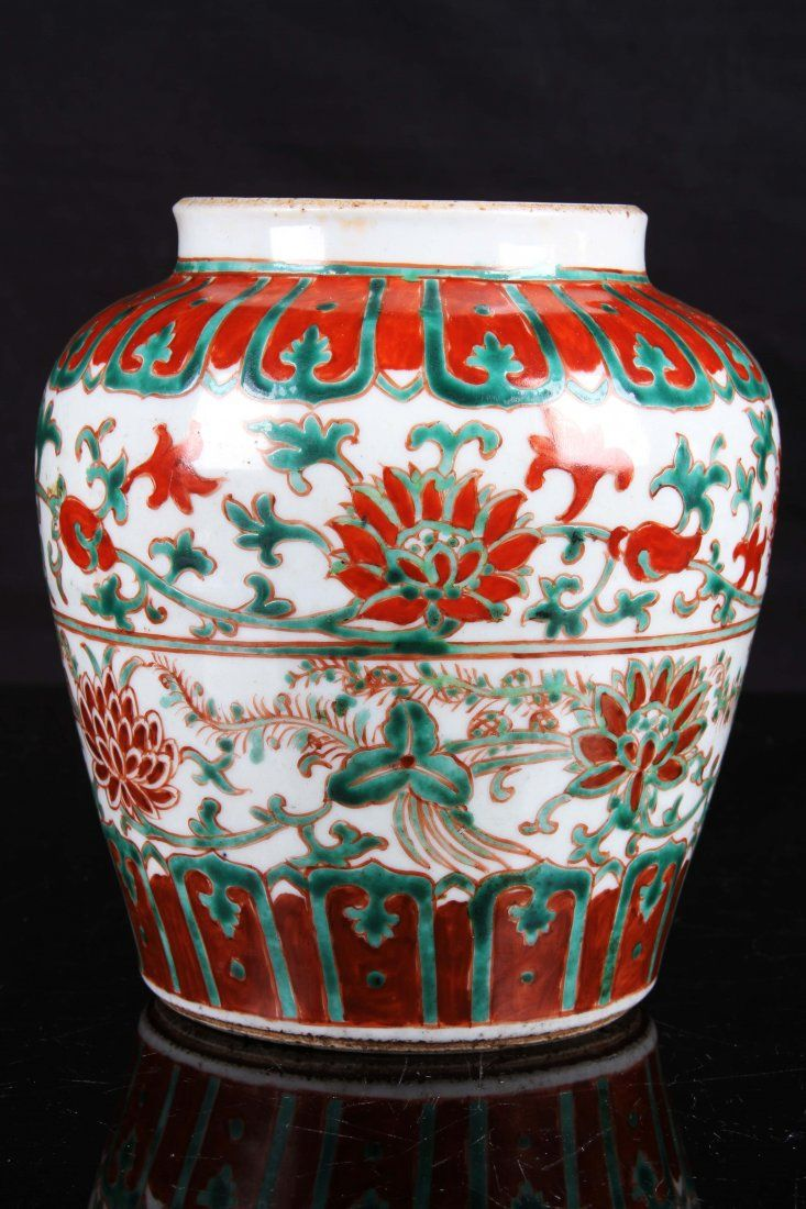 MID 17TH CENTURY DOU GLAZED PROCELAIN JAR  PAINTED WITH TWINE PATTERNS