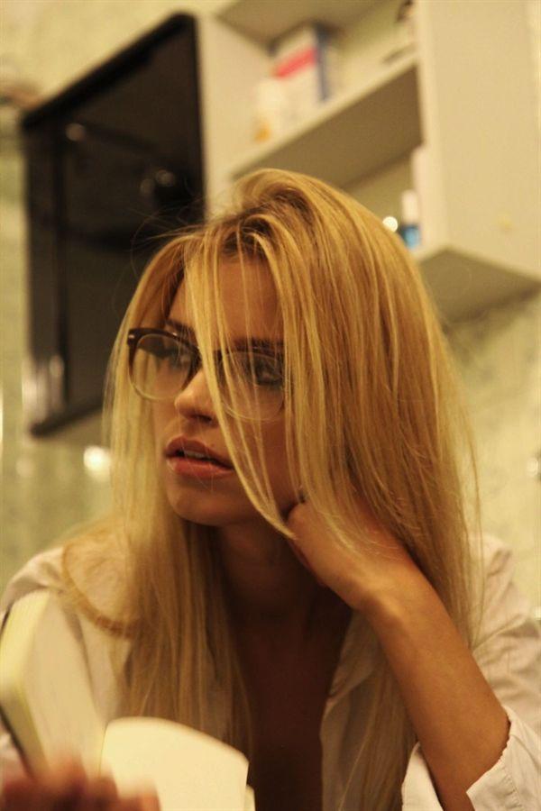 .. Milena Lutrzykowska ..