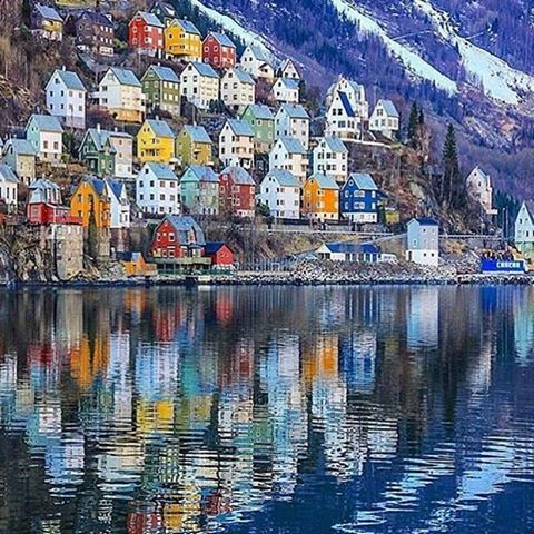 Odda Town, Norway, photo by @magnelien