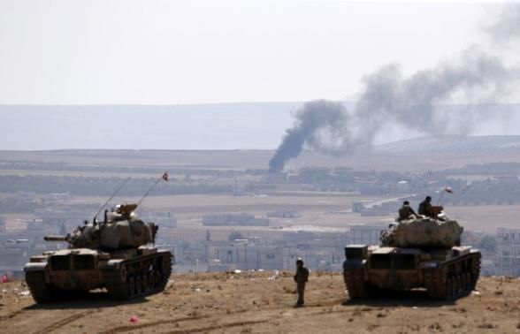 #SYRIA NEWS UPDATE: 09.10.14 Kobane After pulling back on Tuesday, the Islamic State appear to have regrouped and renewed their assault on Kobane late on Wednesday, penetrating 2 residential areas.  *For More News on Syria ...* http://www.petercliffordonline.com/syria-iraq-news-4 Pic: Kobane Seen From Turkish Tank Position Overlooking Town