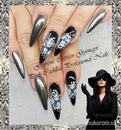 Chrome nail art