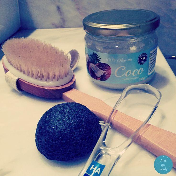 Hábitos diários saudáveis (oil pulling, limpeza da língua, limpeza do rosto, escovação corporal a seco)