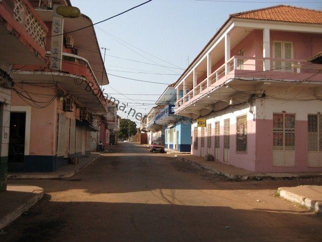 """guinea bissau photos   Blick auf eine Straße in Bissau """"Velho"""" (2010) 648 x 486 · 82 kB · jpegView Source : blog.bolama.net"""