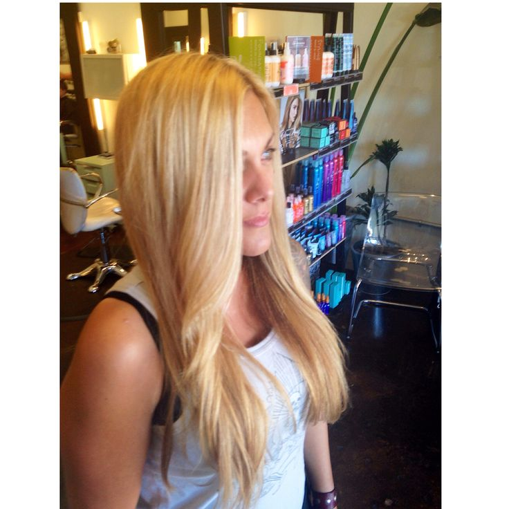 Blonde hair. Golden blonde hair color. Long hair. Balayage specialist San Diego. Andie Jones Hair. The Lab a Salon. Balayage highlights. Blonde highlights. Warm blonde hair color.