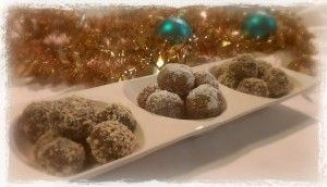Although I don't want to think about it just yet... Christmas is just around the corner! It always sneaks up on me so quickly, even when I attempt to be prepared each year! Knowing my history, I have decided to start sharing some of my Christmas recipes with you now....