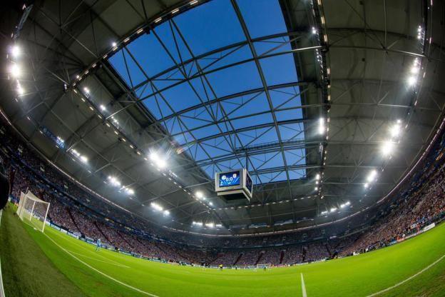 Bis 2015: #FCSchalke04 verlängert Partnerschaft mit #Condor: #Schalke 04 und die #Fluggesellschaft #Condor verlängern ihre Zusammenarbeit um ein weiteres Jahr. Die Königsblauen behalten Condor als offizielle #Fluglinie, mit der die Mannschaft die Auslandsreisen zu den Spielen der Uefa Champions League antritt. #wirliebenfliegen