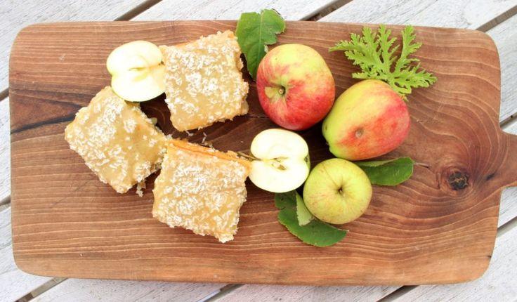Silviakaka med äpple & brynt smör