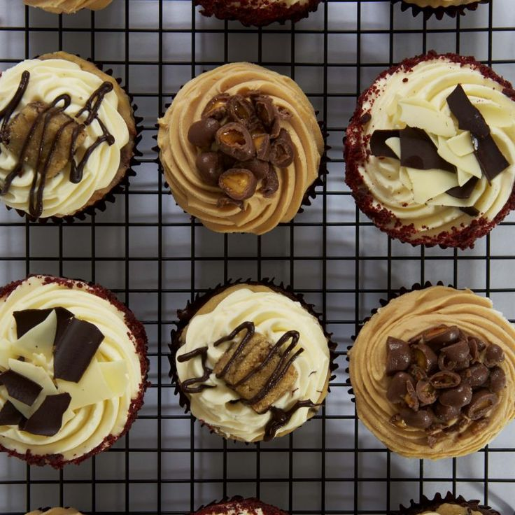 NEW... 12 Bestsellers Cheesecake Cupcakes - English Cheesecake Company