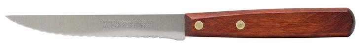 Snijd je steak aan tafel met dit klassiek vormgegeven Nogent Classic mes. Het heft is vervaardigd uit donker hout en met 2 klinknagels aan het lemmet bevestigd.