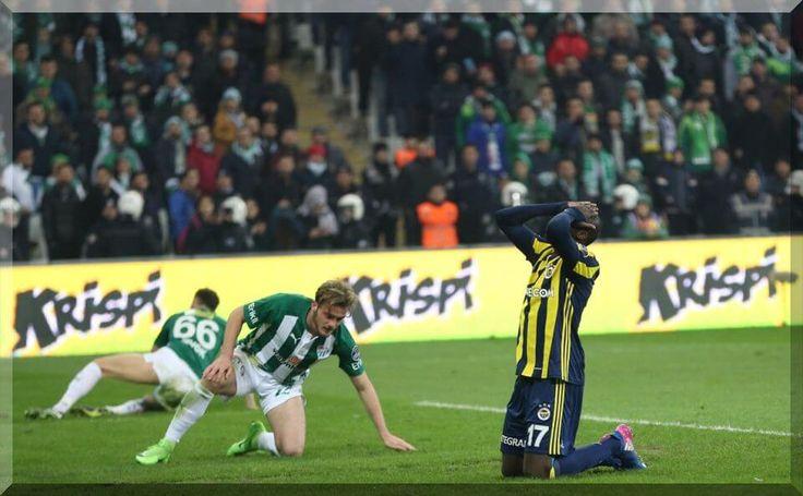 Fenerbahçe, lider Beşiktaş'ın kaybettiği haftada yaklaşık 50 dakika 10 kişi oynayan Bursaspor ile 1-1 berabere kaldı.