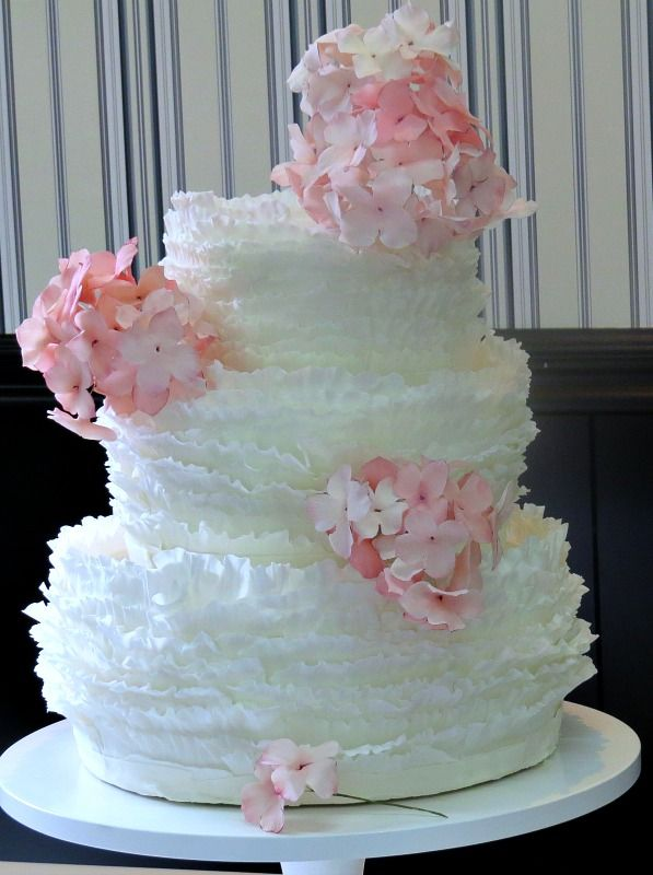 wedding cakes with frills 17 best images about wedding cakes by florabunda amp cake on 26033