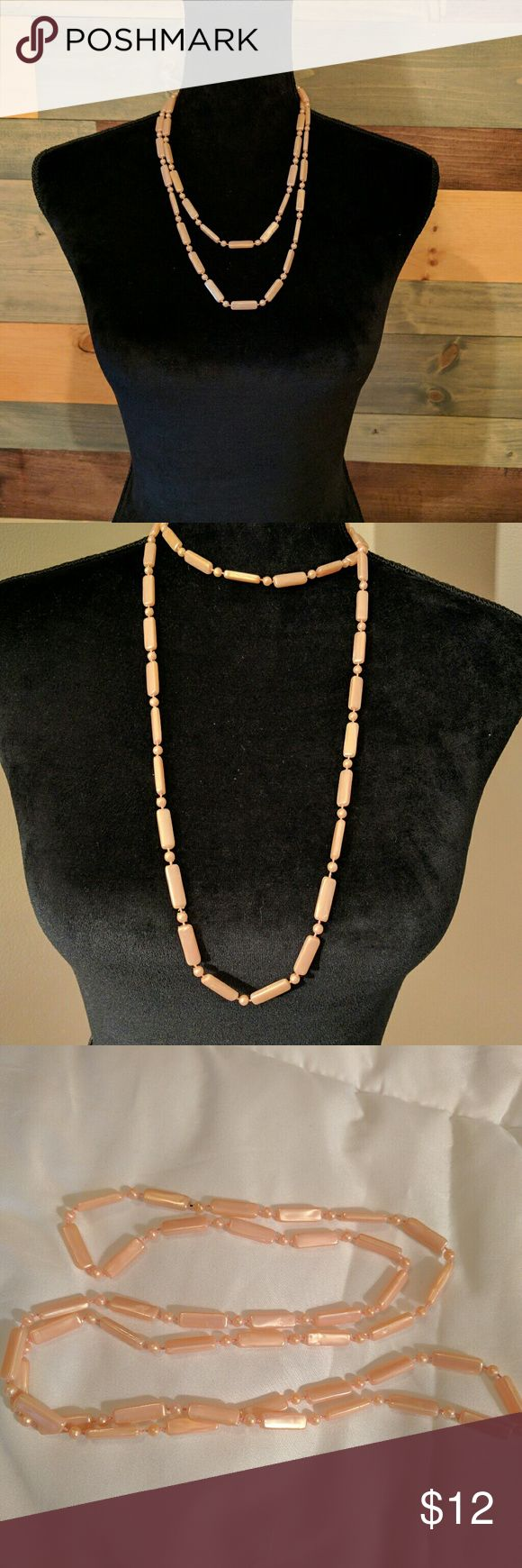 Perfectly peach vintage bead necklace Still looks shiny and new Jewelry