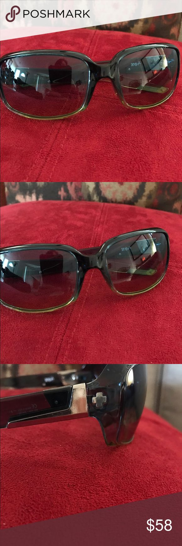 Spy sunglasses Too cool for words gently loved in great condition. Green frames if you have any questions please ask Accessories Sunglasses