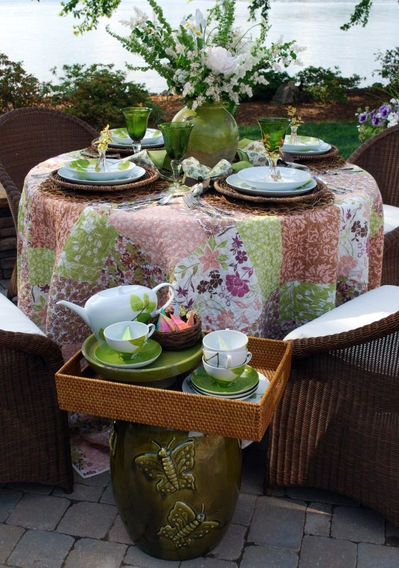Tea party tablescapes 10 handpicked ideas to discover for Tray garden designs