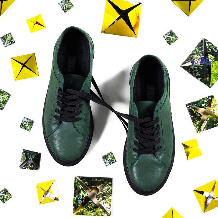 Стильные кожаные кеды с анатомической стелькой заслужили звание самой удобной обуви. К тому же, они легко сочетаются с любой одеждой — будь то укороченные  джинсы, кюлоты или легкая юбка. #mfstore #madeinua #madeinukraine #madeinkiev #madeinodessa #madeinlviv #ukrainiandesigner #streetwearbrand #ukrainianbrand #ilovemfs