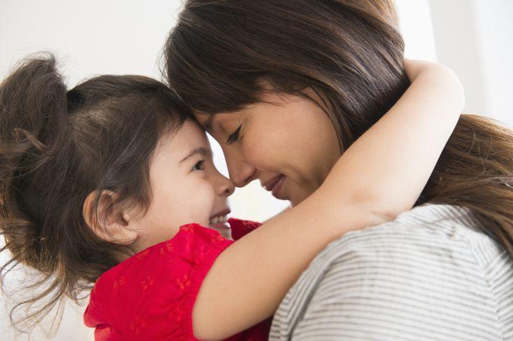 Hijos: ¿cuál es la diferencia entre mimar y dar afecto?