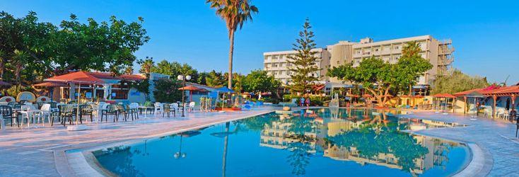 Poolområde på Hotel Atlantis på Kos, Grækenland.