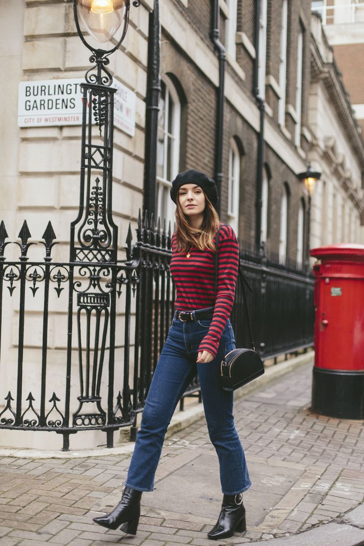 At the moment it seems like I'm a bit stuck in a Mary-Kate and Ashley Winning London sartorial phase. Perhaps replacing the bucket hats with berets and without the to die for highlights...